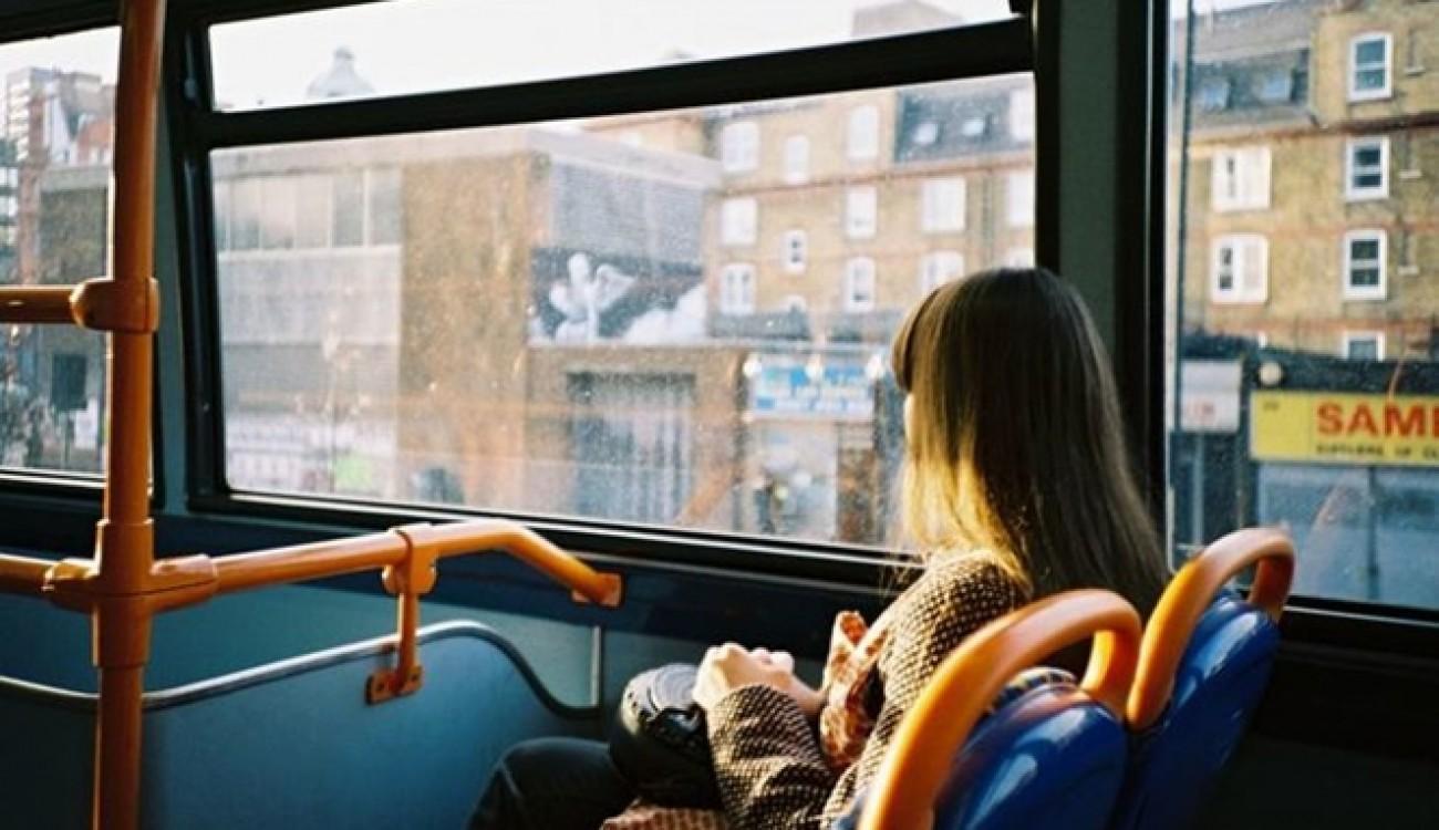 Mau Duduk Nyaman di Bus? Ini Posisi Kursi Terbaik dan Terburuk yang Perlu Kamu Tahu